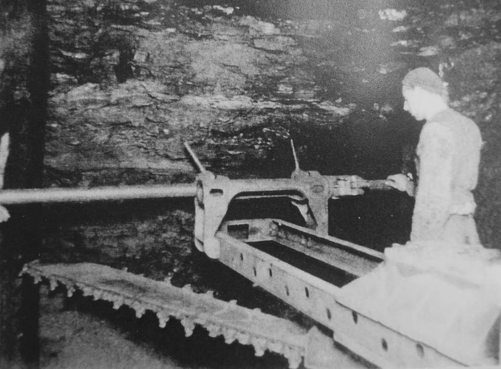 Foto der Korfmann-Schrämmmaschine um 1950 (Archiv Buchleiten)
