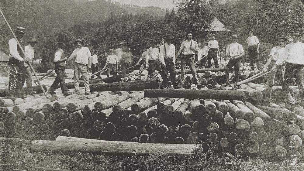 Bild von Holzarbeitern der Fa. Redtenbacher
