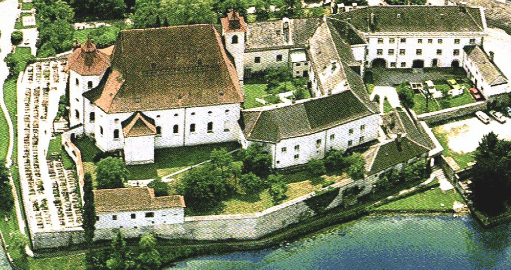Kloster Traunkirchen (BA f. Eich-und Vermessungswesen Zl-68309)