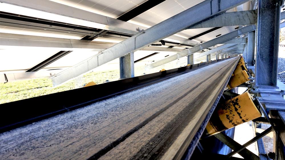 Förderband mit Überkonstruktion, © Bild: KEM Mondseeland