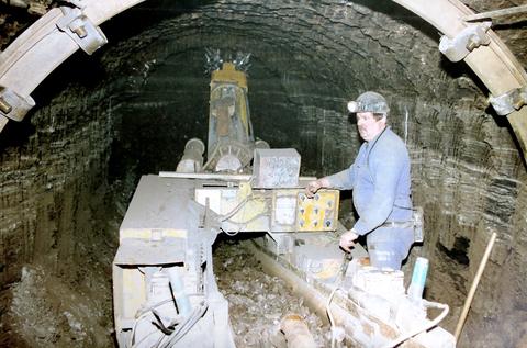Foto der Vortriebsmaschine Alpineminer F6