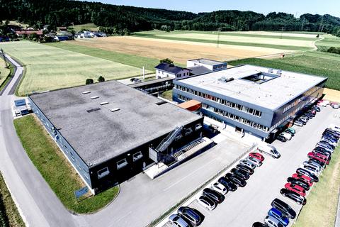 Foto Vogelperspektive des Firmengeländes von abatec